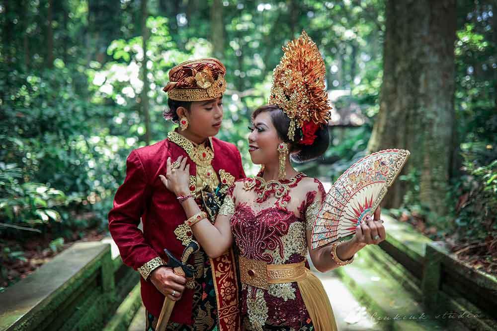 Sangeh Favorit Lokasi Foto Prewedding Adat Bali - Jasa
